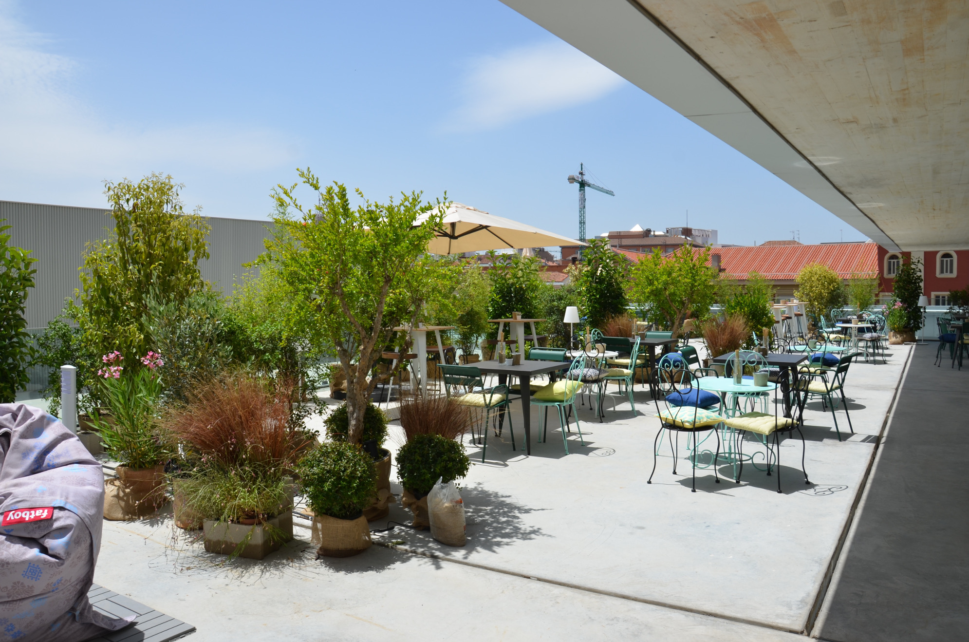 HEALTHY FOOD IN THE ROOFTOP. ONE OF MADRID BEST HIDDEN SECRETS